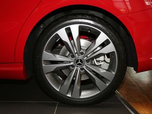 2018款CLA 200时尚型 轮胎