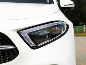 2018款CLS 350 4MATIC 头灯