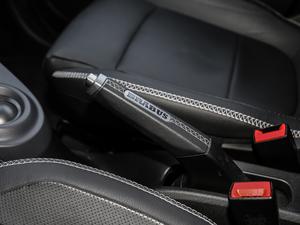2017款BRABUS Xclusive 驻车制动器