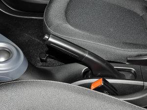 2017款1.0L 硬顶挚爱特别版 驻车制动器