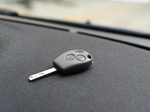 2017款1.0L 魅蓝特别版 钥匙