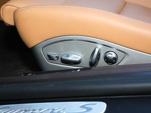 2019款Carrera S Cabriolet 座椅调节