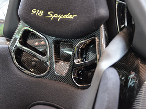 2014款Spyder Weissach package 空间座椅