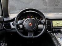 中控区Panamera S E-Hybrid方向盘