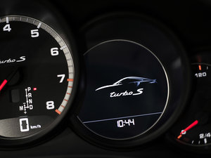 2016款Turbo S 中控区