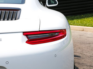 2016款Carrera 尾灯