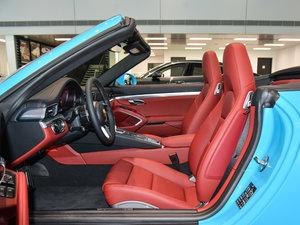 2016款Carrera 4 Cabriolet 前排空间