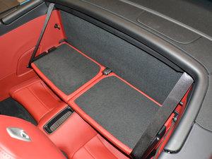 2016款Carrera 4 Cabriolet 后排座椅放倒