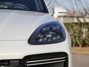2018款Turbo 4.0T 头灯