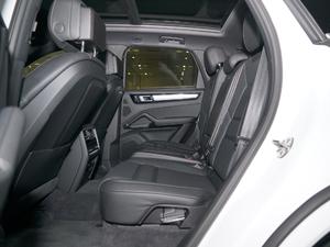 2018款S 2.9T 后排空间