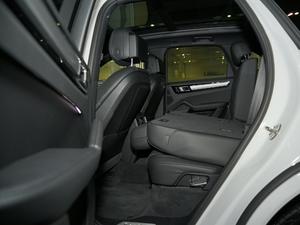 2018款S 2.9T 后排座椅放倒