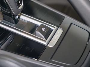 2018款S 2.9T 驻车制动器