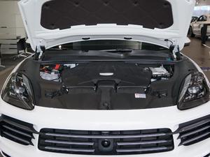 2018款S 2.9T 发动机