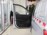 空間座椅五菱宏光駕駛位車門