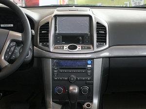 2011款2.4L 7座自动豪华导航版 中控台