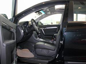 2011款2.4L 7座自动豪华导航版 前排空间