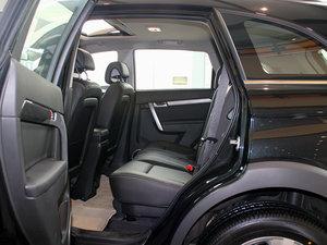 2011款2.4L 7座自动豪华导航版 后排空间