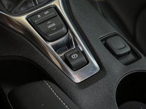 2017款RS 驻车制动器