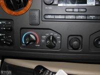 中控区福特E空调调节
