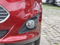 细节外观福特C-MAX 雾灯