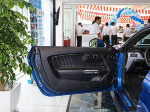 2017款2.3T 性能版 驾驶位车门