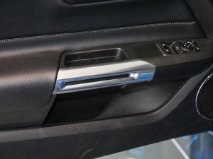 2017款2.3T 性能版 车门储物空间