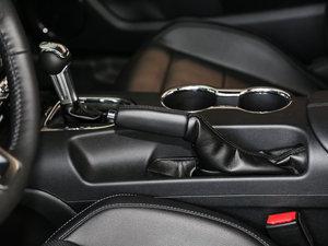 2017款2.3T 性能版 驻车制动器