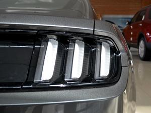 2017款5.0L GT 性能版 尾灯