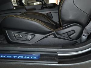 2017款5.0L GT 性能版 座椅调节