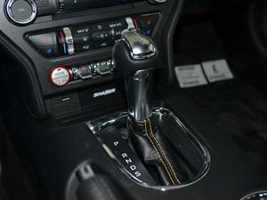 2017款5.0L GT 性能版 变速挡杆