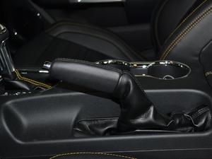 2017款5.0L GT 性能版 驻车制动器