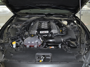 2017款5.0L GT 性能版 发动机