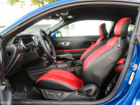 空间座椅Mustang前排空间