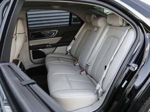 2018款2.0T 两驱尊耀版 后排座椅