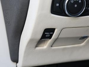 2018款2.0T 两驱尊耀版 驻车制动器
