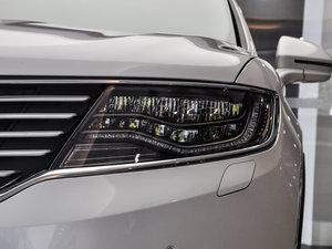 2015款2.7T 四驱尊耀版 头灯
