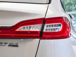 2015款2.7T 四驱尊耀版 尾灯