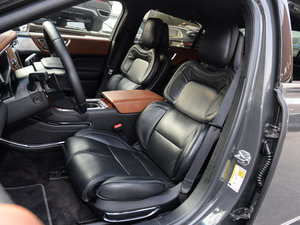 2017款3.0T 四驱尊耀版 前排座椅