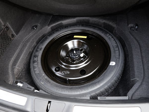 2017款3.0T 四驱尊耀版 备胎