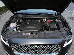 2017款2.0T 两驱尊雅版 发动机