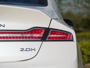 2017款2.0L 前驱尊耀版 尾灯