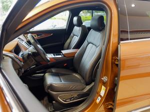 2017款2.7T 四驱总统版 前排座椅