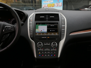 2019款2.0T 两驱尊雅版 中控台