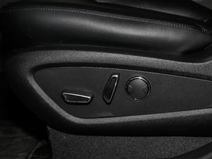 2019款2.0T 两驱尊享版 国VI 座椅调节
