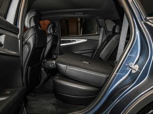 2019款2.0T 四驱尊雅版 国VI 后排座椅放倒