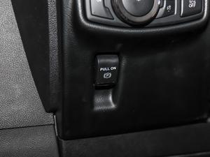 2019款2.0T 四驱尊雅版 国VI 驻车制动器