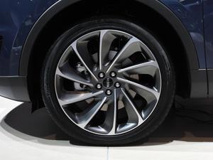 2019款2.7T 四驱尊耀版 国V 轮胎