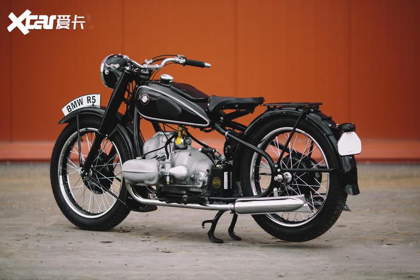 宝马R18发动机