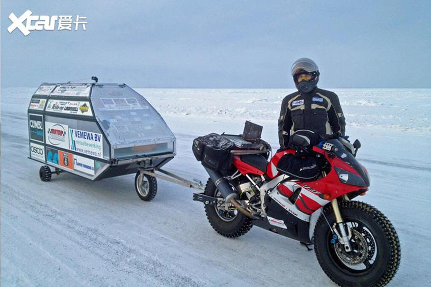 摩托北极挑战