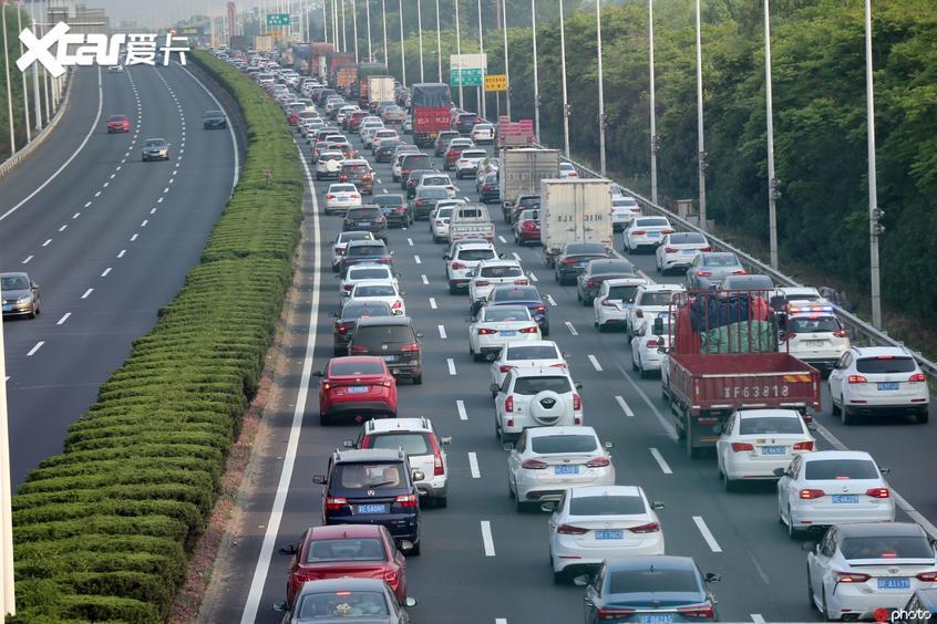 79天免1590亿 高速公路真的一本万利?